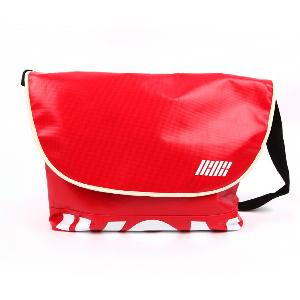 [公式グッズ] iKON - CROSS BAG [iKON SHOWTIME DEBUT CONCERT MD]