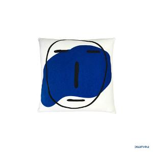 [SKULLHONG] POKER FACE CUSHION IVORY [17FW]